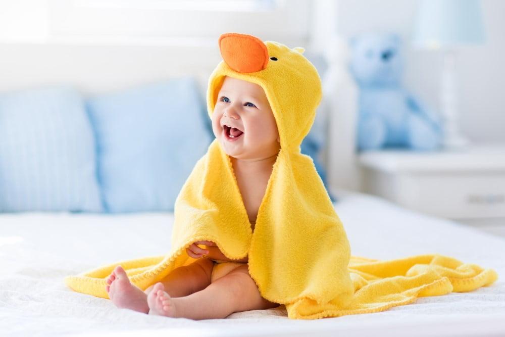Gult babyhåndklæde
